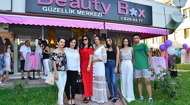 BEAUTY BOX 1 YAŞINDA